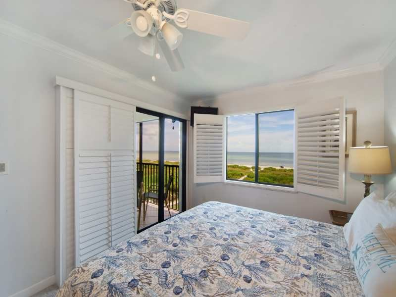 9MasterBedroom