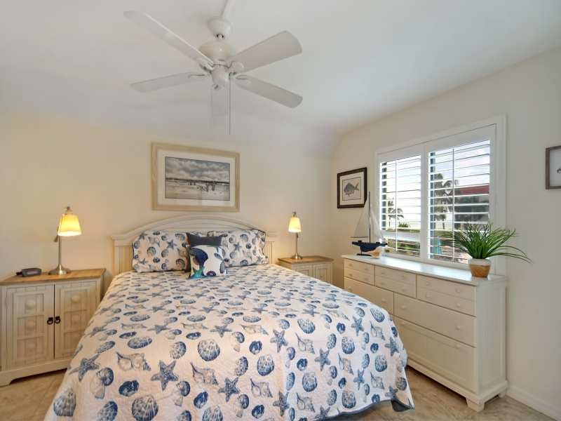 7MasterBedroom