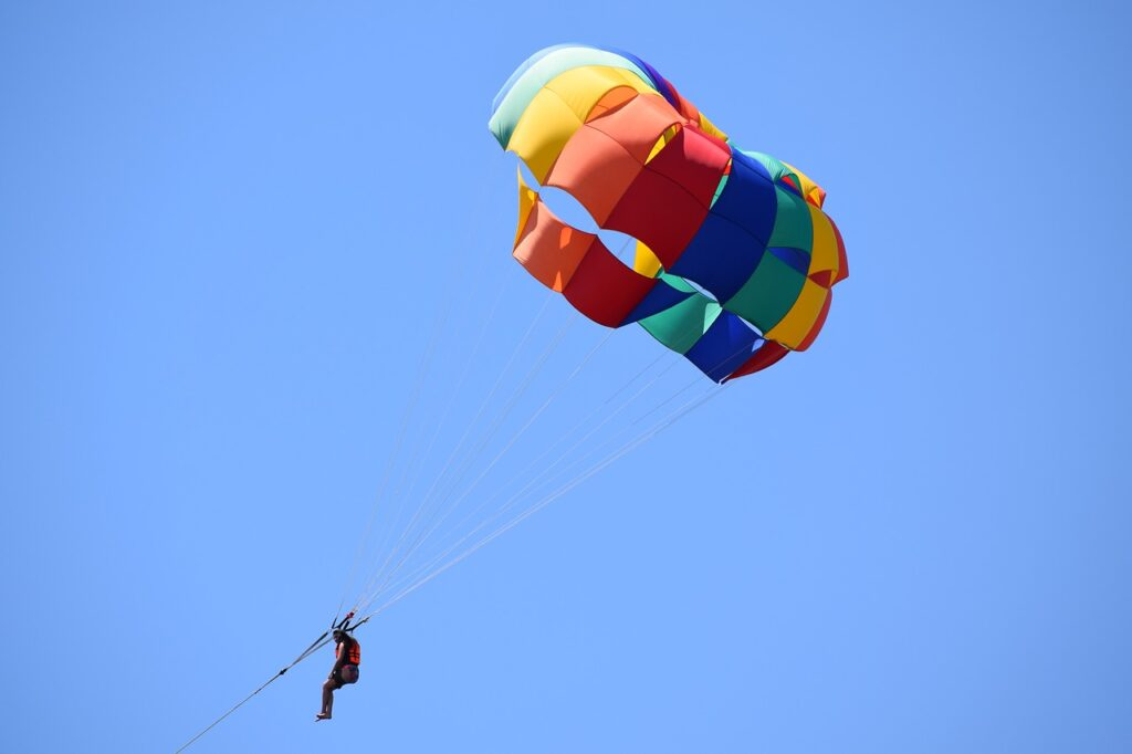 parasailing person