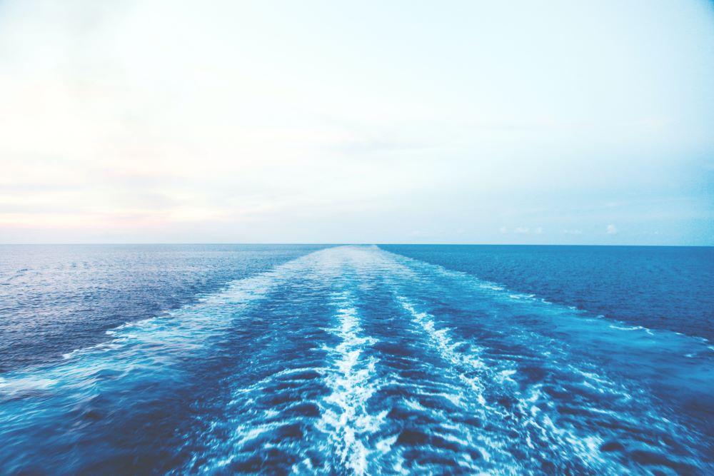 ocean wake by sanibel island